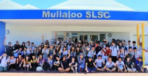 A picture of Enactus volunteers,  Mullaloo Life Saving Club and Tokyo University students posing as a group.